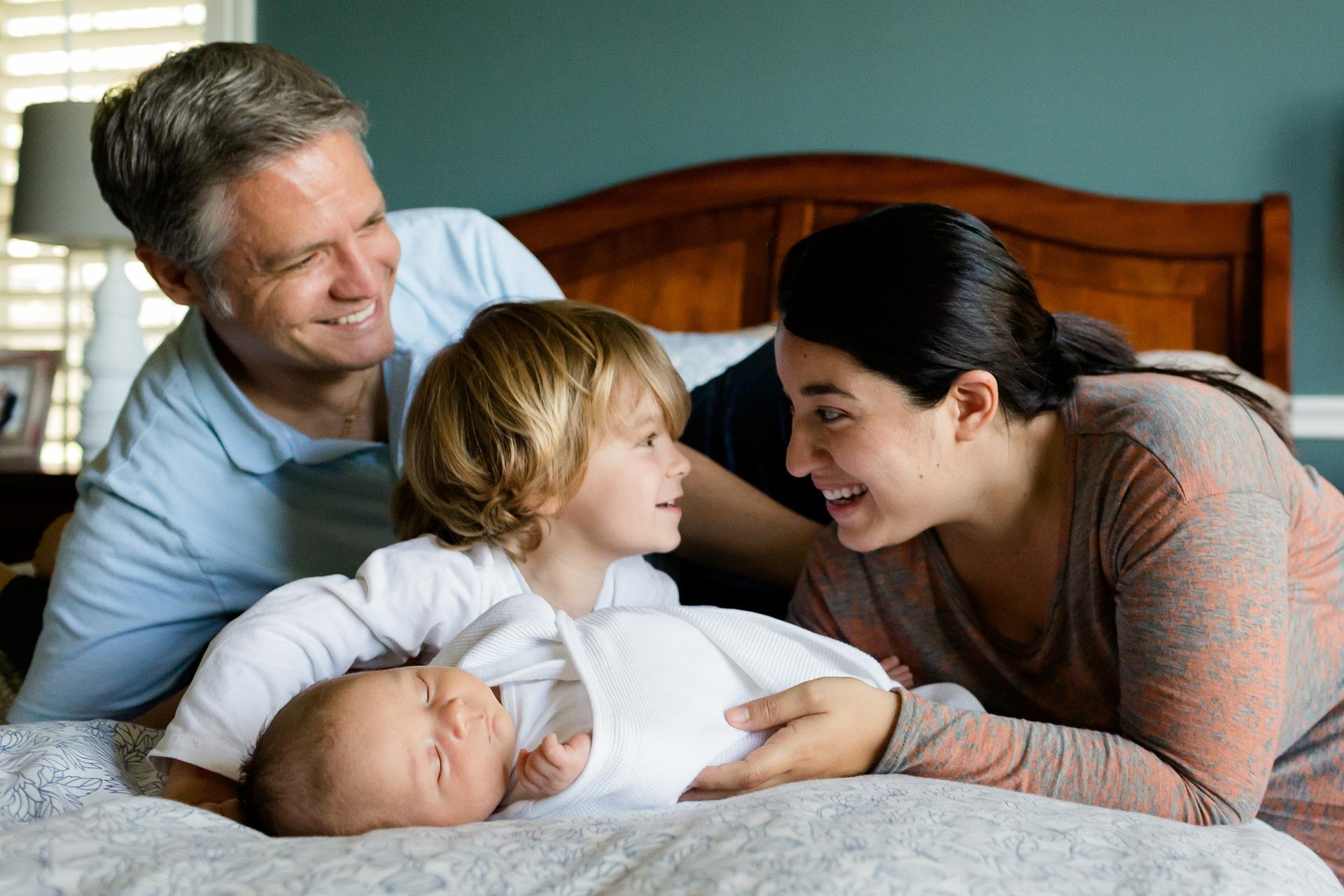 Family Sessions - image family-457235_1920 on https://angelaferri.com